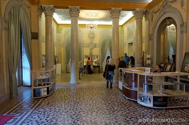 Villa Angiolina lobby